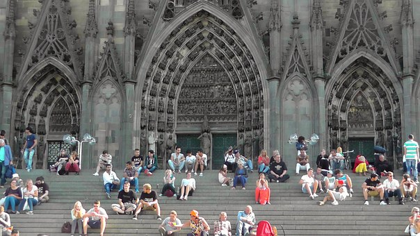 cologne-cathedral-179326__340.jpg