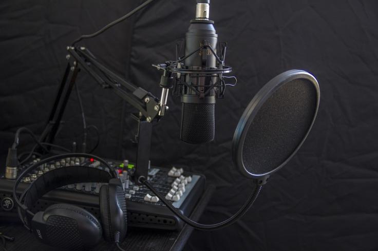 microphone-616788_960_720