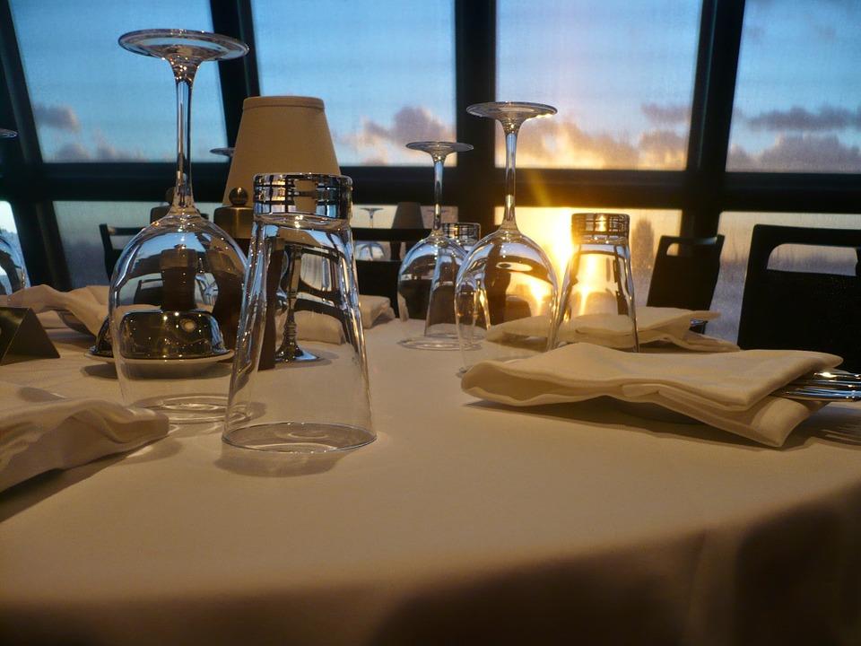 restaurant-358238_960_720